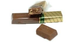 Конфеты Мерси молочный шоколад с лесными орехами и миндалем