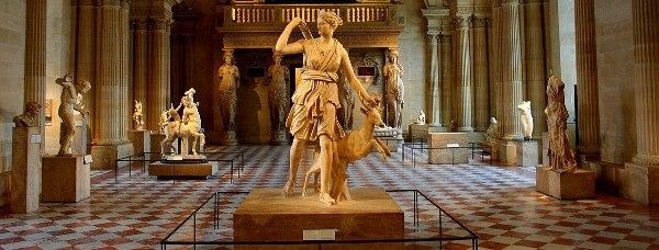 Подарочный набор ДАММАНН Кадриль и зал Лувра Диана есть схожие элементы в оформлении.