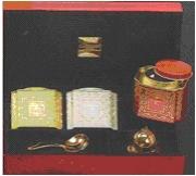 Чай Dammann / Дамман Подарочный набор Рождественский чай деревянная красная коробка (Чай в подарочной упаковке: 3 банки: 50 гр., 40 гр., 25 гр., ложка, ситечко).